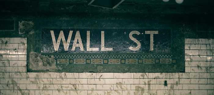 image of Wall Street subway sign